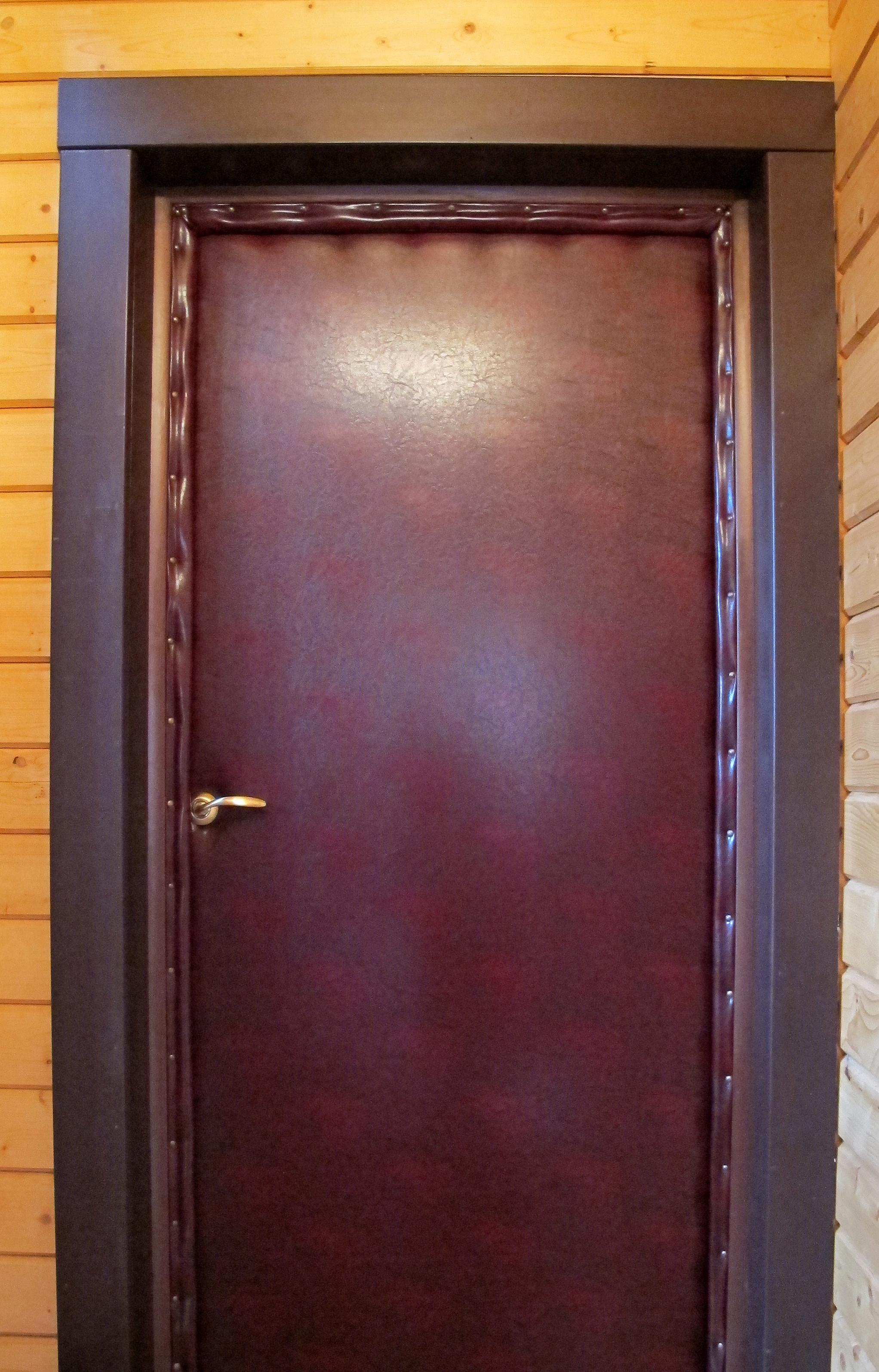 Как обить двери своими руками